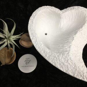 XXL-Herz-geschwungen-breit-Urnenschale-weiss-Schale-dekorierbar-grobe-Struktur-13kg