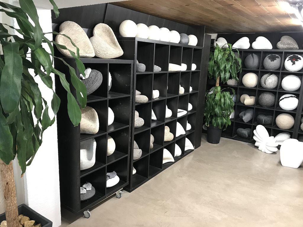 Ausstellung Urnen