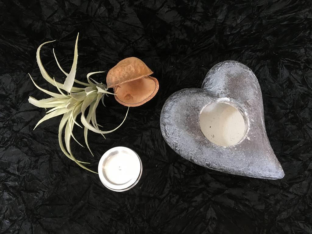 S Urnen wild pombiert schwarz perlweiss 2